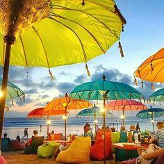 Bali - Indonesia ✨✨ Picture by ✨✨ . for a feature Kuta Bali, Lombok, Marmaris, Wonderful Places, Beautiful Places, Khao Lak Beach, Lamai Beach, Parasols, Umbrellas