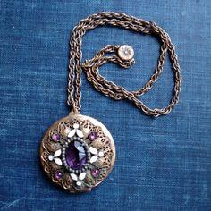 ON SALE A Secret In Your Pocket Vintage Locket by flotisserie
