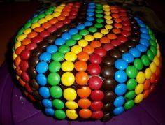 Regenbogen-Schoko-Torte - Rezept Ein kreativer Kuchen, der bei jeder Party ein Hingucker ist!