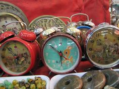 some vintage clocks in chinatown (Singapore).