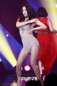 #Sistar #Soyu Sistar Soyu, Starship Entertainment, Korean Music, Style Icons, Girl Group, Wonder Woman, Singer, Kpop, Superhero