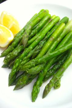 Asparagus 101 - How to Cook Asparagus / Local Italian Plate Supper Recipes, Side Recipes, Clean Recipes, Vegetable Recipes, Vegetarian Recipes, Cooking Recipes, Healthy Recipes, Cooking 101, Cooking Time