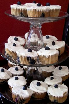 The Farm Girl Recipes: Banana Blueberry Cupcakes with Lemon Cream Cheese Frosting