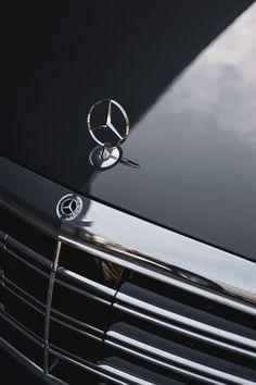Make way for the stars: The Mercedes-Benz S-Class. 📷 Matt Ryan for via Mercedes-Benz USA Mercedes W140, Mercedes S Class, Mercedes Benz Logo, Mercedes Benz Cars, Mercedes Benz Wallpaper, 4 Door Sports Cars, Audi S5 Sportback, Merc Benz, Mercedez Benz