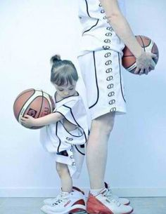 Mommy and daughter basktball