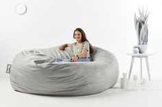 """De nuestros modelos más vendidos """"TOOT"""". Perfecto y cómodo para cualquier espacio. Extra Large Bean Bag, Large Bean Bags, Bean Bag Lounger, Bean Bag Sofa, Air Chair, Cool Chairs, Bedding Sets, Queen, Furniture"""