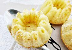 Für Zitronen Buttermilch Mini-Gugls Butter mit Zucker und Vanillezucker cremig rühren. Ei zufügen und gut unterrühren. Mehl vermischt mit Cookie Pie, Butter, Baked Goods, Pineapple, Sweets, Fruit, Desserts, Food, Austria