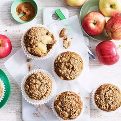 A healthier WW recipe for Sarah Van Dyke's apple crumble muffins ready in just Get the SmartPoints plus browse our other delicious recipes today! Ww Recipes, Healthy Recipes, Delicious Recipes, Slimming Recipes, Fodmap Recipes, Healthy Baking, Healthy Snacks, Apple Crumble Muffins, Weight Watchers Pumpkin