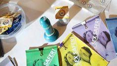 scholieren vinden een condoom uit dat licht geeft bij geslachtsziektes