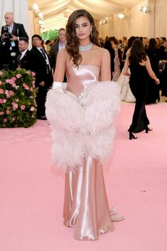 Taylor Hill Photos - Taylor Hill attends The 2019 Met Gala Celebrating Camp: Notes on Fashion at Metropolitan Museum of Art on May 2019 in New York City. - Taylor Hill Photos - 73 of 1229 Met Gala Outfits, Met Gala Red Carpet, Dior Haute Couture, Gala Dresses, Red Carpet Looks, Pink Carpet, Red Carpet Hair, White Carpet, Buy Carpet