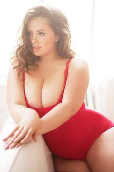 Plus Size Women Love, plussizefanatic: Viktoriia Manas