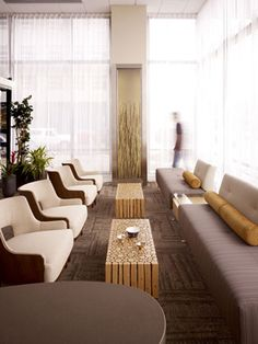 Soothing lobby of the Swedish Medical Center, South Lake Union Clinic: Toronto Healthcare Architects Hotel Lounge, Lobby Lounge, Hotel Lobby, Waiting Room Design, Waiting Area, Clinic Interior Design, Clinic Design, Medical Office Design, Healthcare Design