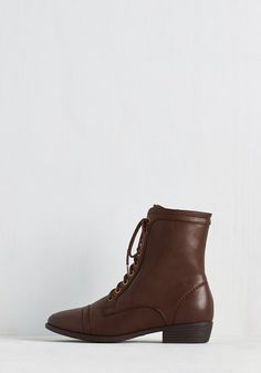 Trek Yourself Boot in Acorn | Mod Retro Vintage Boots | I love the simplicity of these.