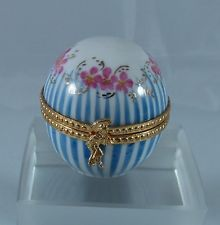 Limoges France Peint Main Round box with Pink Flowers and Blue Stripes
