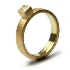 best of both worlds! gold and princess cut!