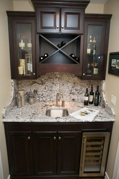 I have closet perfect for this! The beauty of a wet bar…tucked in an unused ha… - Bar Ideen Basement Bar Designs, Home Bar Designs, Basement Ideas, Wet Bar Basement, Basement Finishing, Home Wet Bar, Bars For Home, Closet Bar, Br House