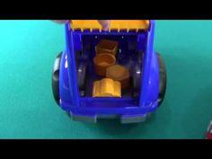 Etudions des formes géométriques avec deux voitures pour les enfants