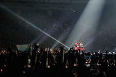 Babymetal: Vídeos e fotos de shows em arena para 55 mil pessoas