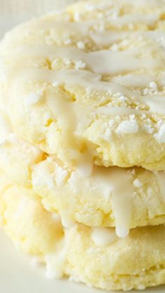 Glazed Lemon Sugar Cookies ~ quick and easy. this luscious cookie is packed with plenty of lemon goodness. A lemon lover's favorite dessert I love lemon cookies! Cookie Desserts, Just Desserts, Cookie Recipes, Dessert Recipes, Easy Lemon Desserts, Yellow Desserts, Gourmet Cookies, Baking Desserts, Lemon Recipes
