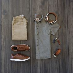Vacation style inspiration with brown overtones from @runnineverlong #fashion #style #outfit #menswear #casual #flatlay