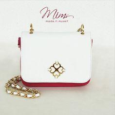 Bolsa mini cookie em branco e rosa Pink  ️️Crie a sua pelo site ➡️ ️️️️️www.mimsbags.com #bolsadecouro #criesuabolsa #minibag