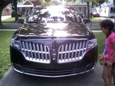 2011 Lincoln MKT Review - The girls take on the exterior #fordtestdrive #wrestleMKT