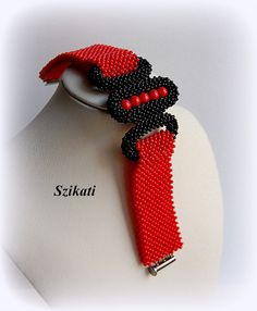 Red/Black Seed Bead Cuff Bracelet Statement Beadwork por Szikati