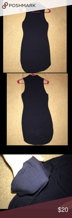 NWOT NAVY BLUE MOCK NECK KEYHOLE CUT OUT DRESS NWOT NAVY BLUE MOCK NECK KEYHOLE CUT OUT DRESS SUPER SOFT MATERIAL SIZE: S/M COLOR: NAVY BLUE  NEVER WORN  *SMOKE FREE HOME* Dresses Midi