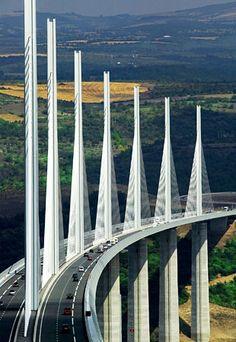 Tallest Bridge - Millau Viaduct - France : zelfde weg al in 1985 maar die keer  wel nog niet over deze recentere mooie brug.