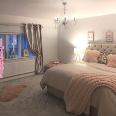 Teen Girl Bedrooms - Eye Catching and breathtaking range of decorating inspirations. Note - placed under diy teen girl room spaces tag , example note inspired on 20190212 Teen Bedroom Designs, Bedroom Decor For Teen Girls, Cute Bedroom Ideas, Teen Room Decor, Room Ideas Bedroom, Home Decor Bedroom, Girl Bedrooms, Diy Bedroom, Bedroom Inspo