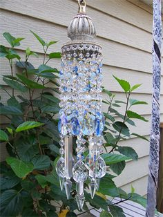 Clear and Blue Crystal Wind Chime/Suncatcher Crystal Wind Chimes, Diy Wind Chimes, Feng Shui, Mobiles, Carillons Diy, Los Dreamcatchers, Blowin' In The Wind, Suncatchers, Yard Art