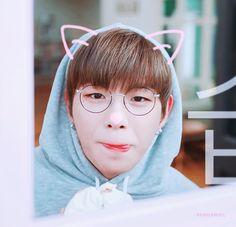 Why he is so cute omg Produce 101 Season 2, Jong Suk, Korean Men, Man Crush, Jinyoung, Monsta X, Boy Groups, Rapper, Handsome