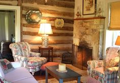 The Log Cabin Living Area - Palo Alto Creek Farm-Historic Property on Creek - Fredericksburg - rentals