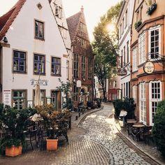 Улицы как в сказке, пабы, где обедал Генрих Гейне, фестиваль бременских…
