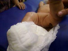 Baby heeft gepoept , poep is gemaakt van ontbijtkoek met water! Net echt. De kinderen trokken direct hun neus op. Bah