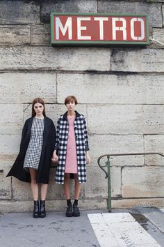 Les Parisiennes: http://www.thewhitepepper.com/collections/#friendship