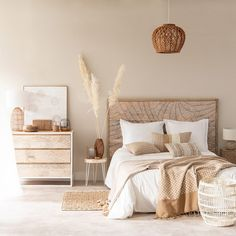 bedroom guest bedroom couples bedroom bedroom makeovers rustic bedroom his and her bedroom ideas ins Couple Bedroom, Natural Home Decor, Natural Bedroom, Natural Furniture, Home Decor Bedroom, Bedroom Ideas, Bedroom Designs, Boho Chic Bedroom, Bedroom Styles