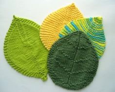 Knitted leaf pot holders