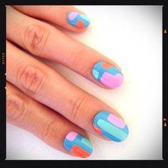 love this abstract design. Cute Nail Polish, Cute Nails, Pretty Nails, Nail Patterns, Nail File, Nail Arts, Nail Inspo, Diy Nails, Hair And Nails