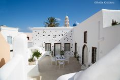 mesaria, santorini, villa, traditional wall, outdoor space, relaxation