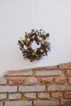 věnec / Zboží prodejce daily flowers | Fler.cz Christmas Wreaths, Holiday Decor, Flowers, Outdoors, Home Decor, Decoration Home, Room Decor, Outdoor Rooms, Royal Icing Flowers