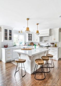 #KountryKraft #CustomCabinetry #UShapedKitchen https://www.kountrykraft.com/photo-gallery/white-u-shaped-kitchen-cabinets-montvale-nj/  https://www.kountrykraft.com/photo-gallery/white-u-shaped-kitchen-cabinets-montvale-nj/