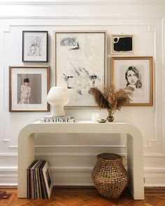 Passion Deco, Painting Ikea Furniture, Cb2 Furniture, Deco Design, Hallway Decorating, New Wall, Home Decor Inspiration, Home Interior Design, Living Room Decor