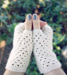 Delicate Crochet Fingerless Gloves