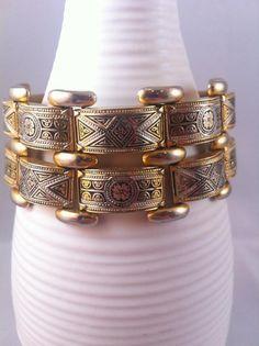 chunky gold dearholly.c$25