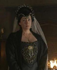 Maria Doyle Kennedy as Queen Catherine of Aragon ~The Tudors Princess Elizabeth, Mary Elizabeth, Princess Mary, Queen Isabella, Queen Mary, Tudor Fashion, Fashion Tv, Katharina Von Aragon, Queen Elizabeth
