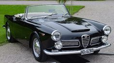 Alfa Romeo 2600 Touring convertible sports car in black white beige interior. Alfa Romeo Giulietta Spider, Alfa Romeo Spider, Old Sports Cars, Sport Cars, Tt Car, Alfa Romeo Gta, Corvette Convertible, Bmw Series, Cabriolet