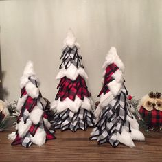 Excited to share this item from my shop: Buffalo plaid Christmas decor buffalo check holiday decor Christmas mantle Christmas decor table top Christmas trees entryway decor Diy Christmas Garland, Silver Christmas Decorations, Christmas Table Centerpieces, Plaid Christmas, Holiday Decor, Christmas Trees, Buffalo Check Christmas Decor, Christmas Crafts, Christmas Mantles