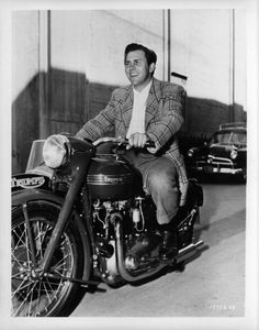 The Film Canister Hollywood Stars, Classic Hollywood, Old Hollywood, Howard Keel, Classic Bikes, Classic Movies, Movie Stars, Actors & Actresses, Sexy Men