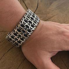 Skull Bracelet, Unusual Jewelry, Handmade Jewelry Designs, Jewelery, Men's Jewelry, Silver Man, Polymer Clay Jewelry, Cool Things To Buy, Men's Accessories